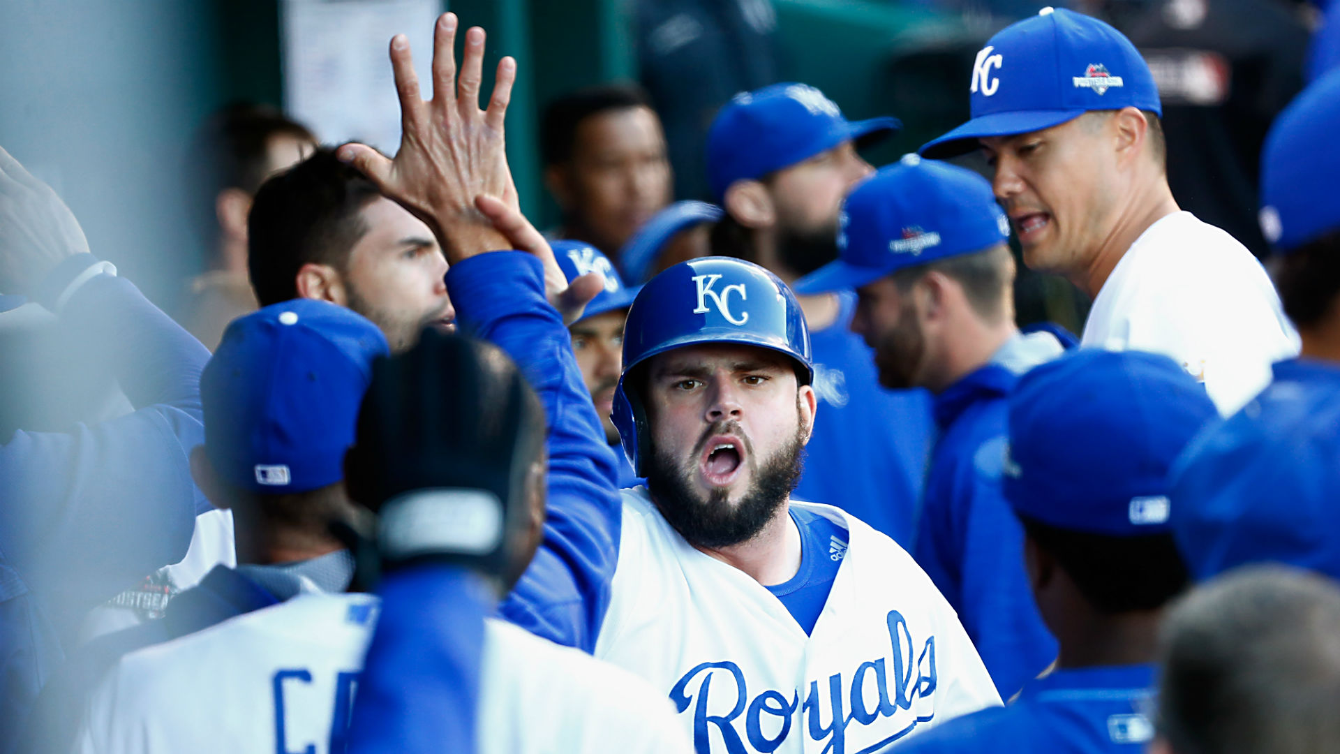Mike-Moustakas-Royals-ALCS-Game-2-101715-Getty-FTR