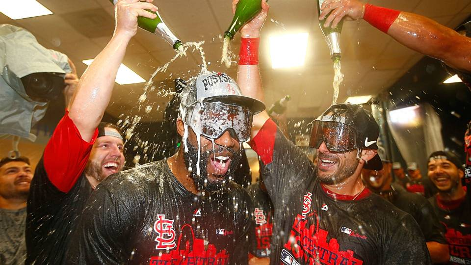 Cardinals-celebrate-100115-Getty-FTR