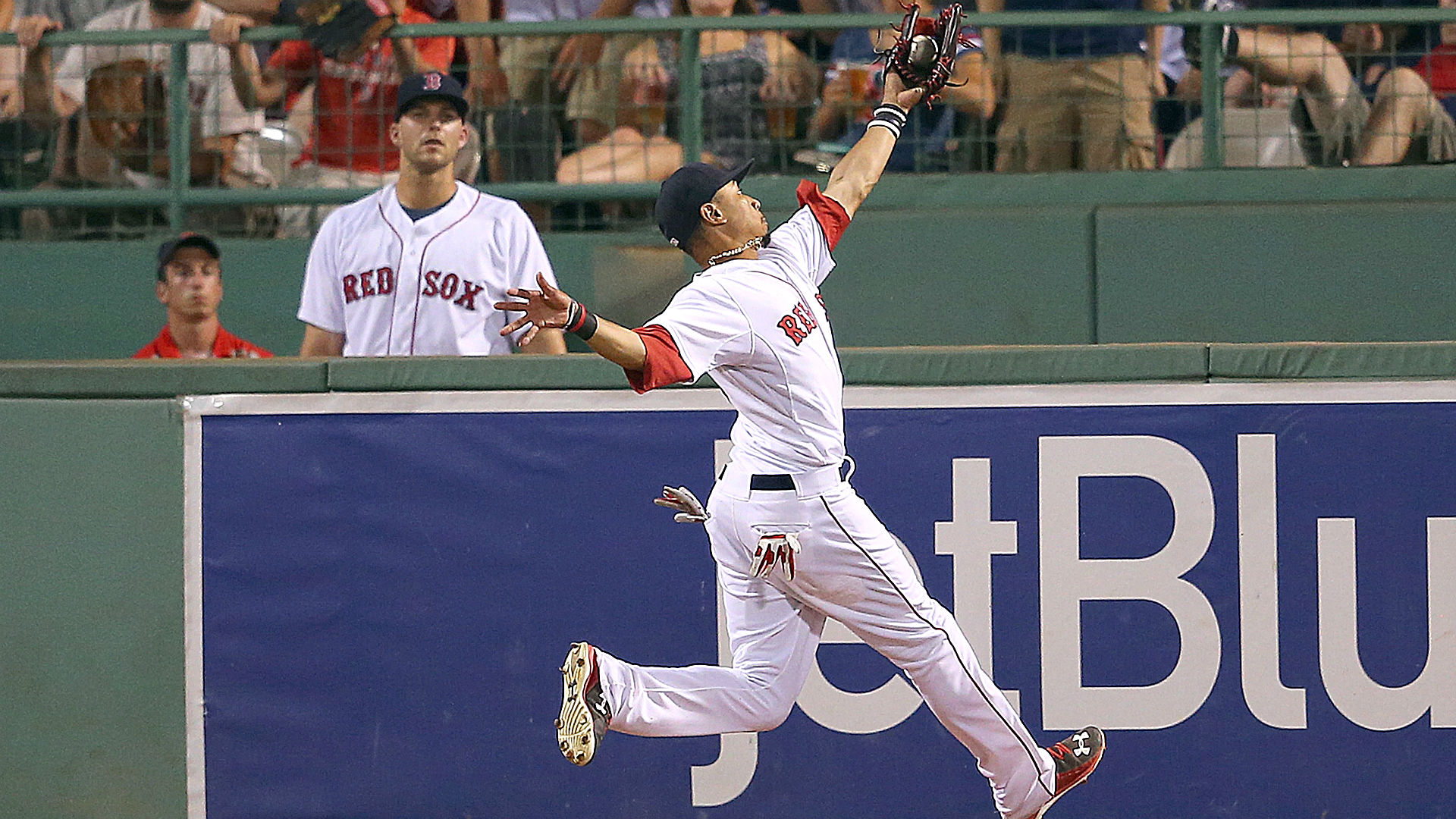 Mookie Betts suffers similar fate as NFL WR when ground jars ball loose