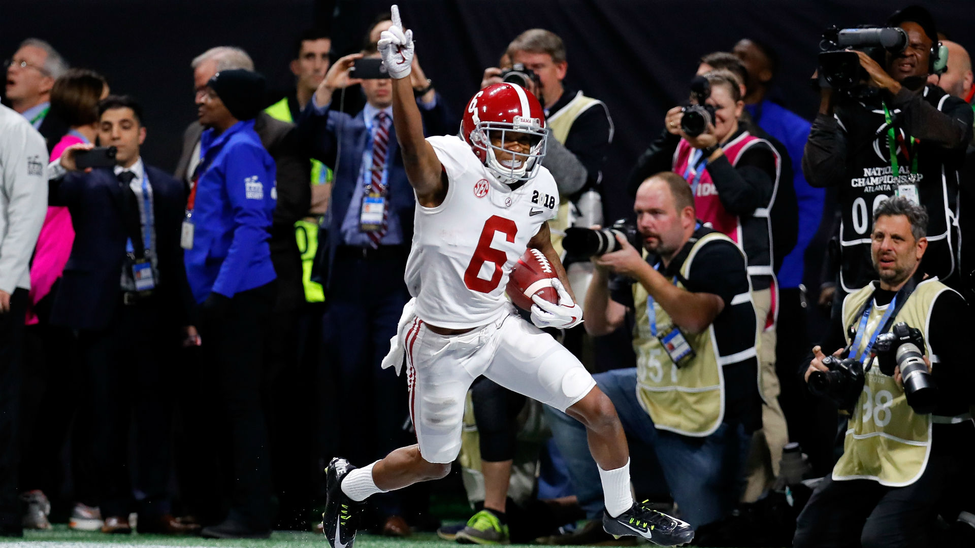 Tua Tagovailoa Promised Devonta Smith They Could Do Big Things at Alabama