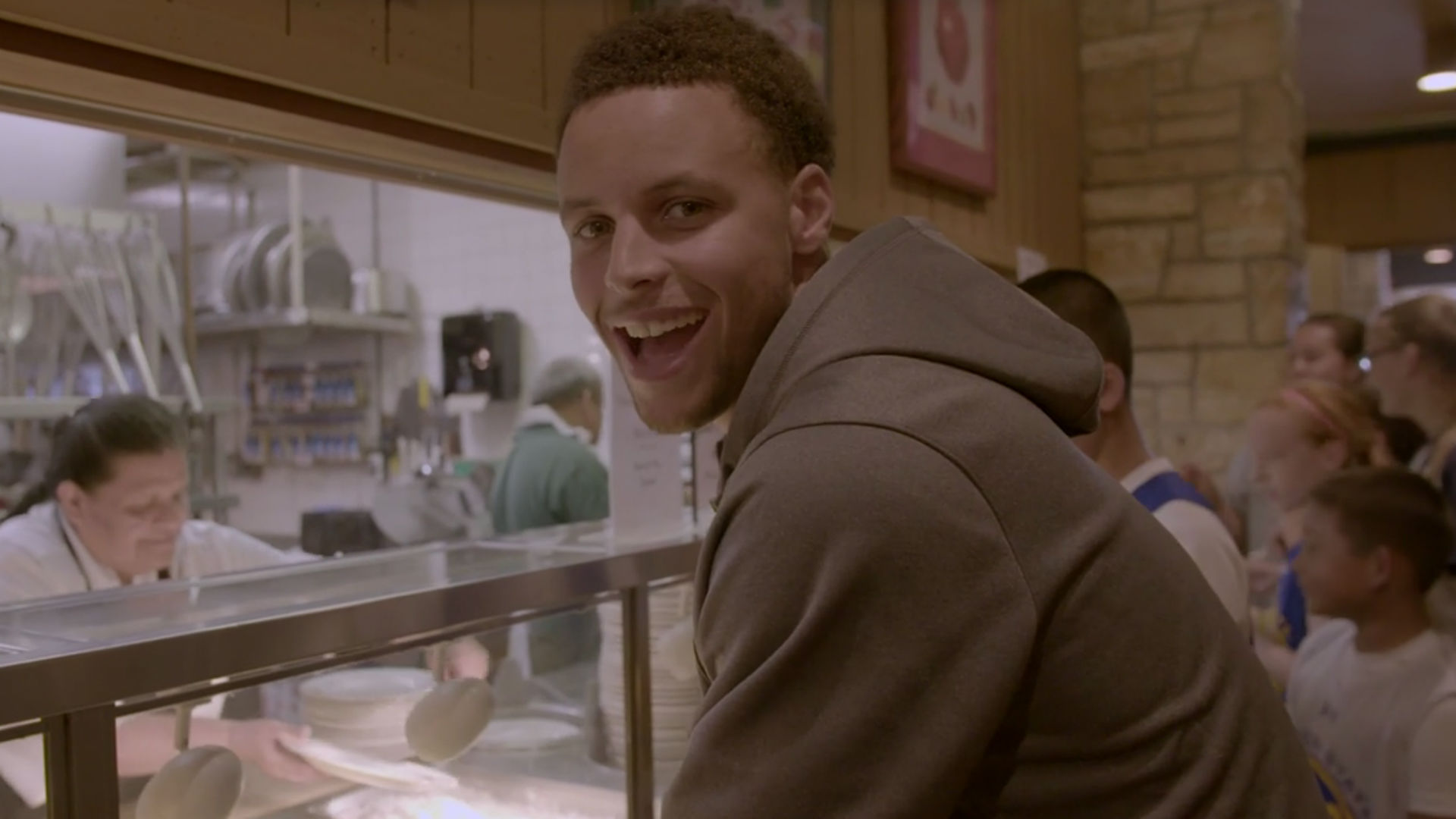 Stephen Curry ordering chicken curry is pretty funny in ...