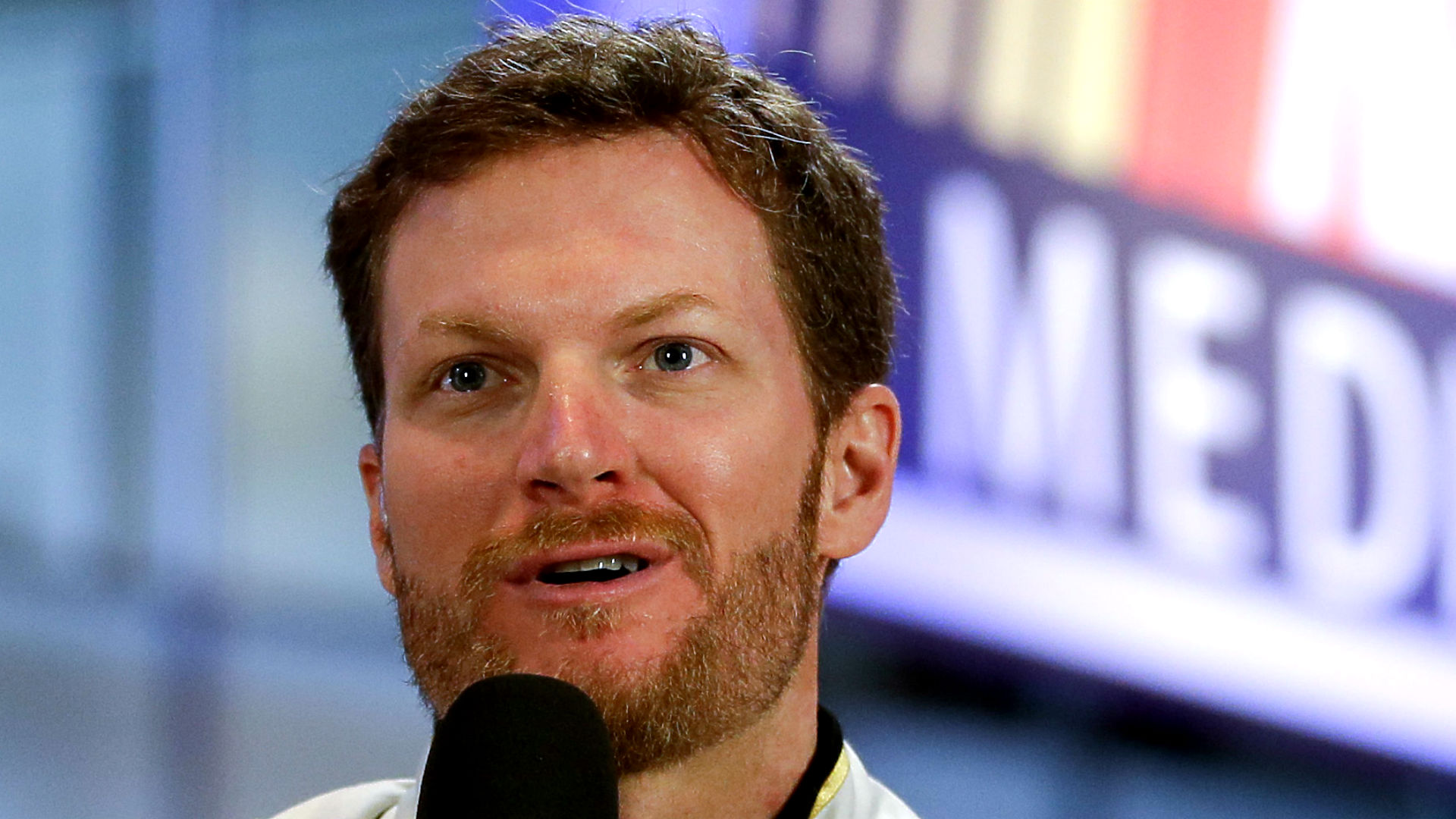 earnhardt-junior021314-ap-ftr.jpg