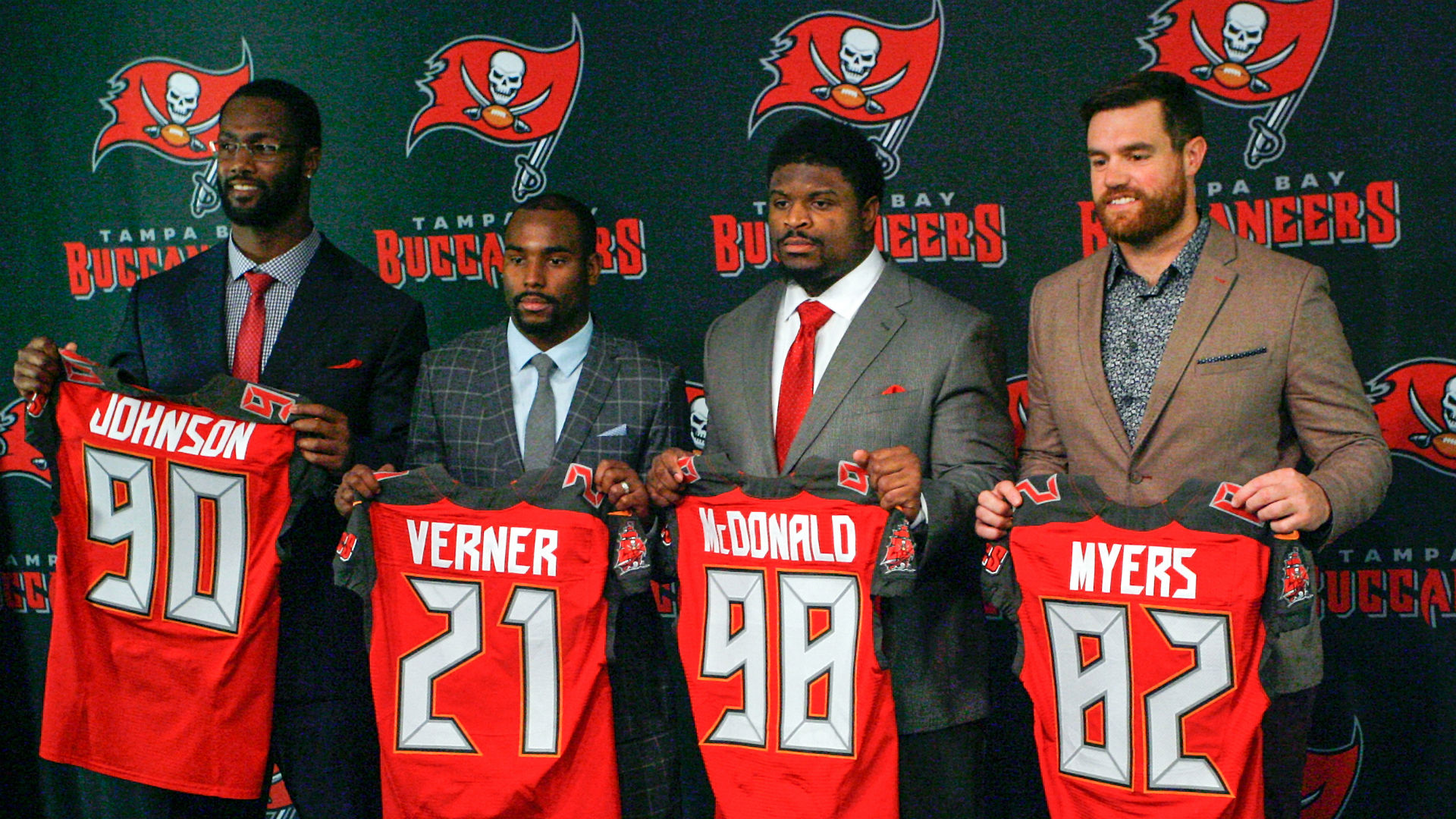 Buccaneers_Signings_AP_0317_DL