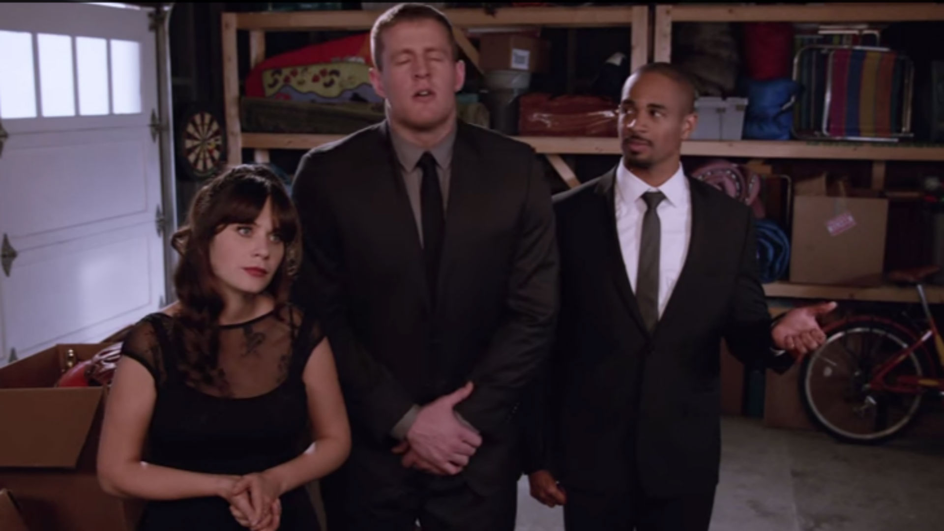 J.J. Watt sings about hot dogs in 'New Girl' cameo