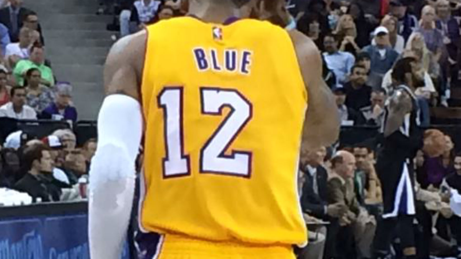 Vander Blue sports off-centered Lakers jersey