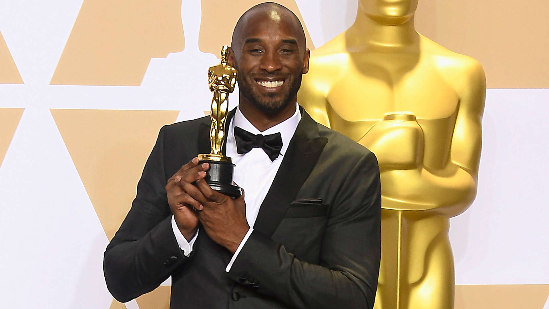 Kobe Bryant wins Oscar for short film 'Dear Basketball'