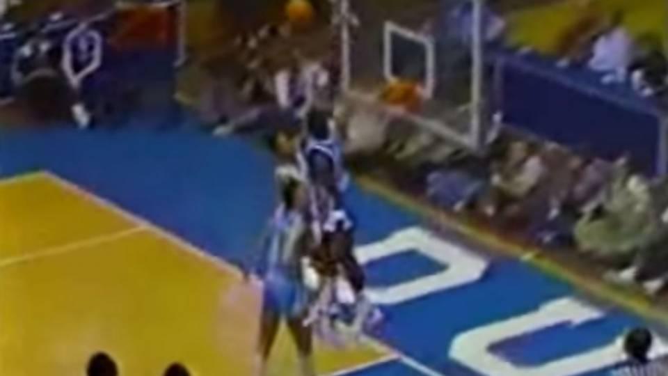 TBT  Michael Jordan hits head on the backboard after huge block against  Duke eba4f3d64c