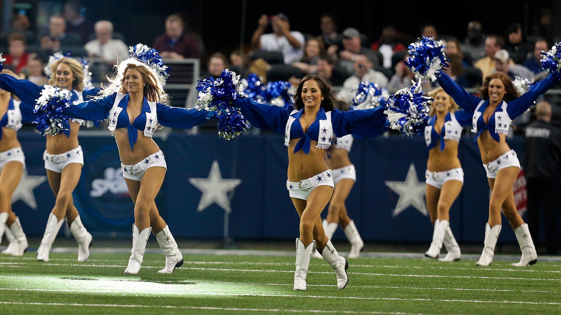 Dallas Cowboys cheerleaders-012714-AP-FTR.jpg