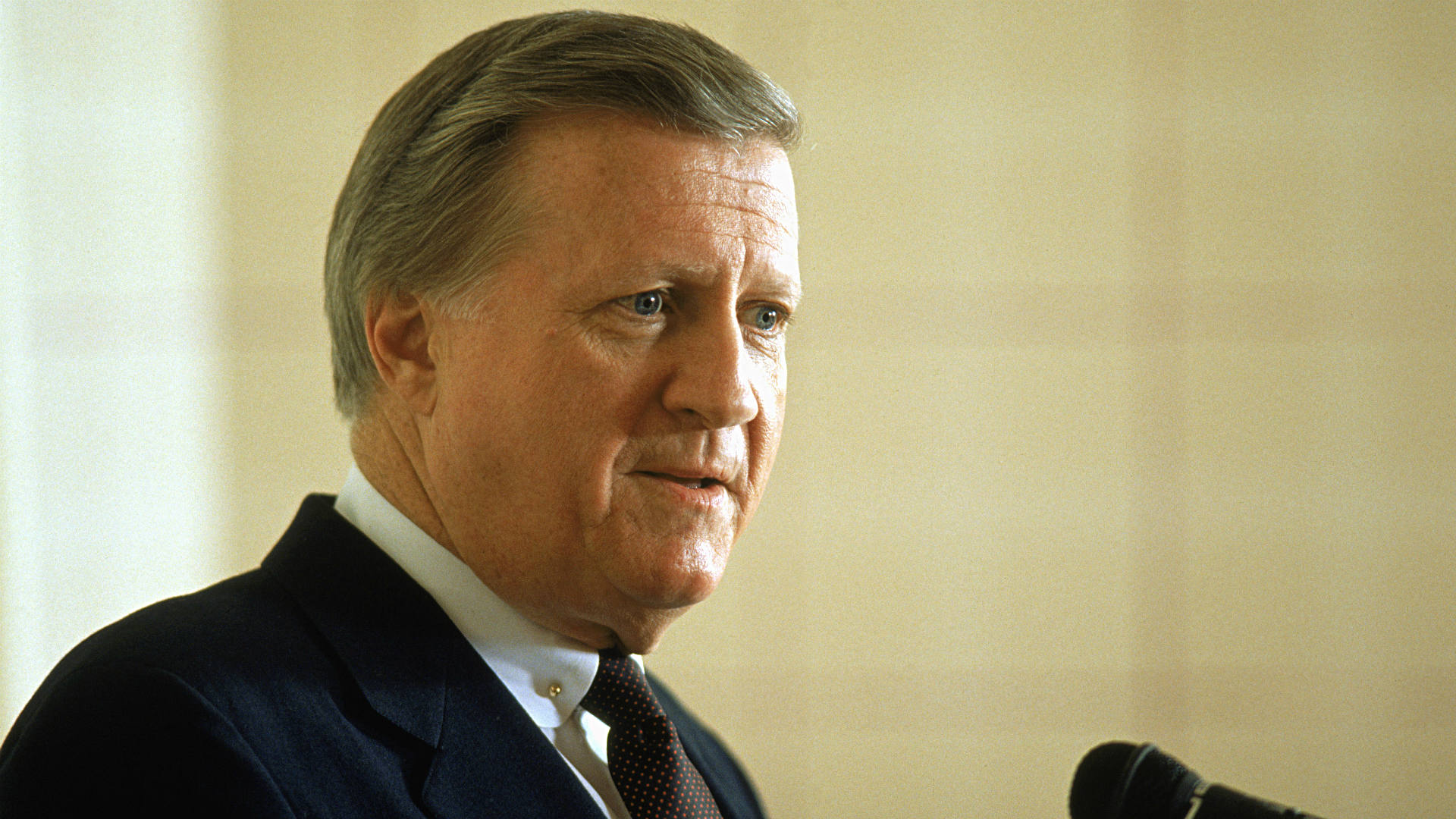 george steinbrenner 13072010 george steinbrenner, who rebuilt the new york yankees into a sports empire with a mix of bluster and big bucks that polarized fans all across america, died.