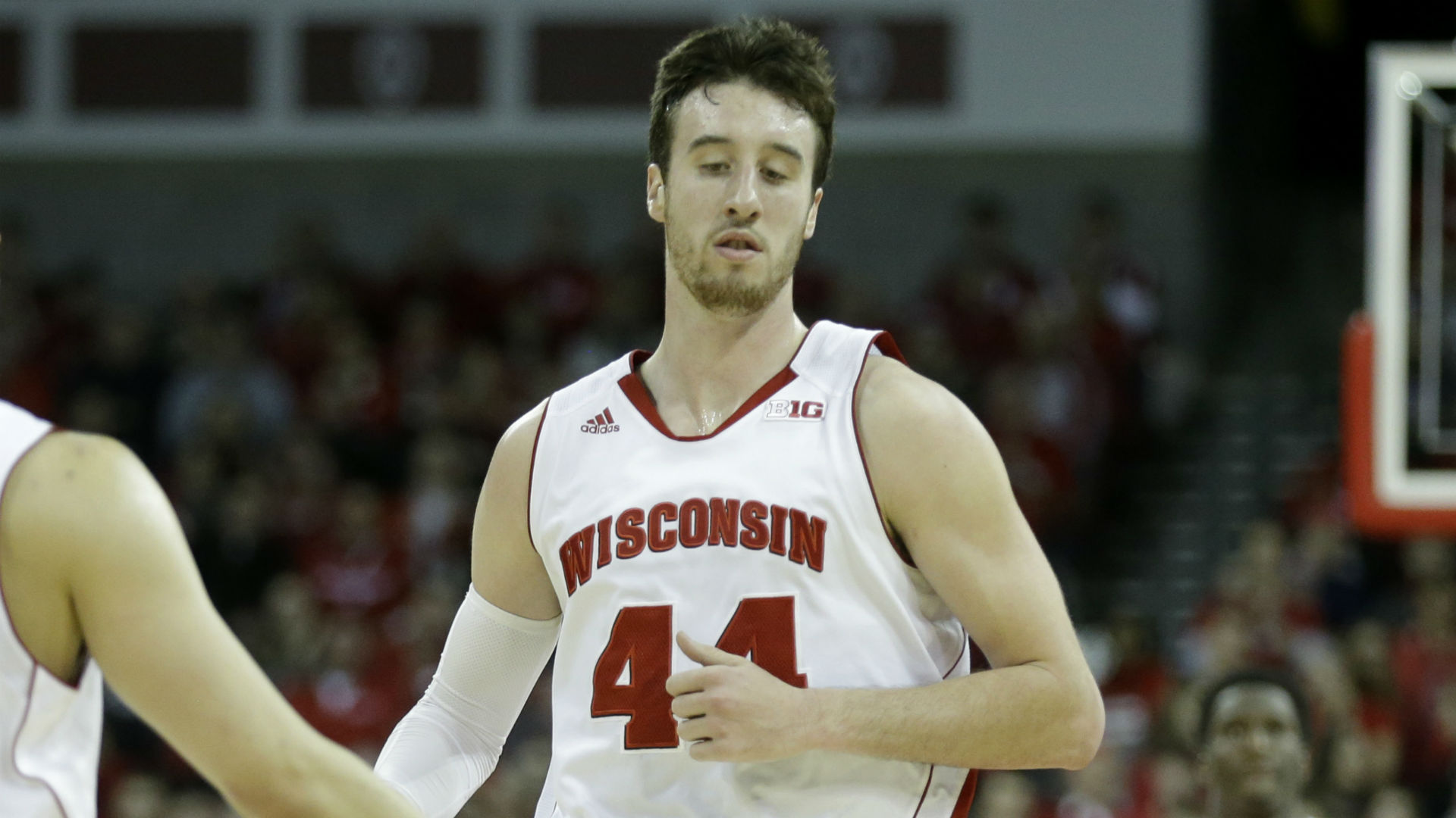 College basketball lines and picks - Badgers host Hawkeyes in top 25 tilt