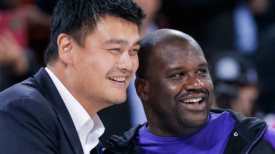 shaq on eve of hall induction says young yao ming wrote him fan