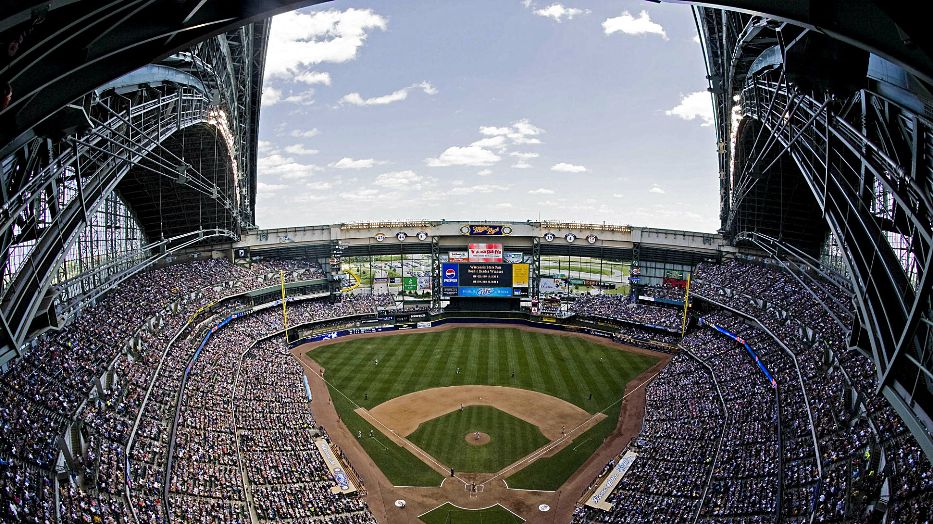 Despite drawbacks, Miller Park's retractable roof still is ...
