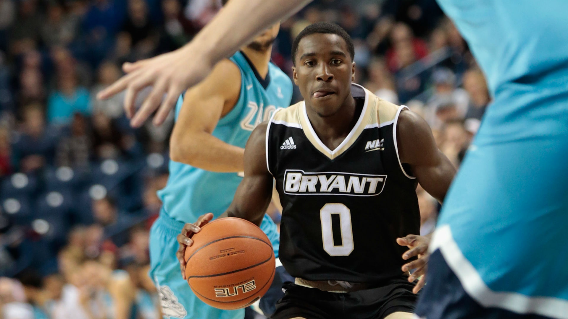 Blackmon's buzzer beater boosts Brown by Bryant 91-90