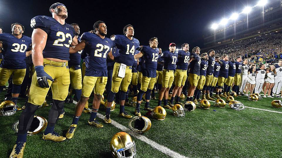 what was the score of the notre dame football game college football saturday night