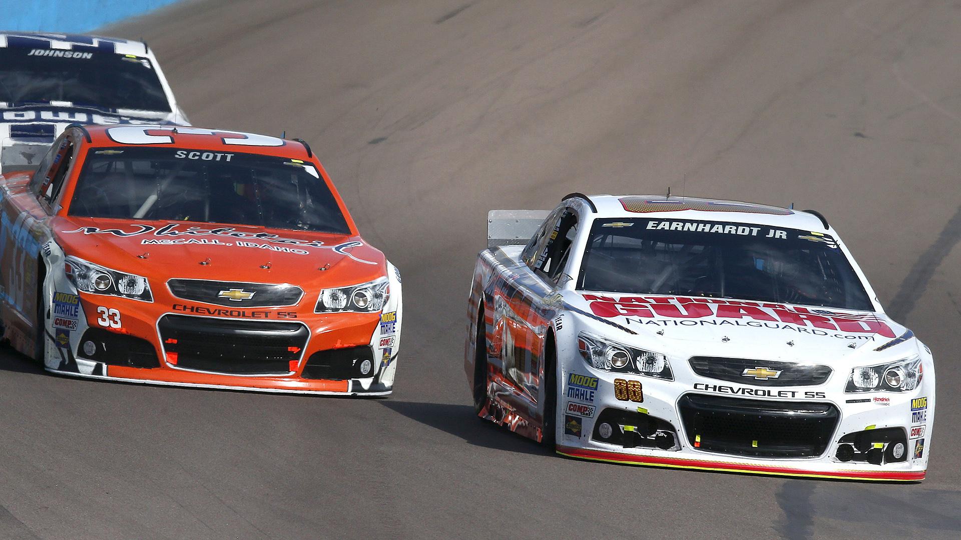Dale Earnhardt Jr-Phoenix-AP-FTR.jpg