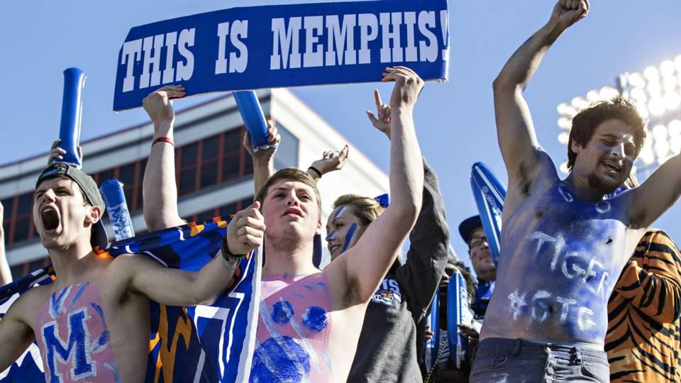Memphis-fans-101715-getty-ftr