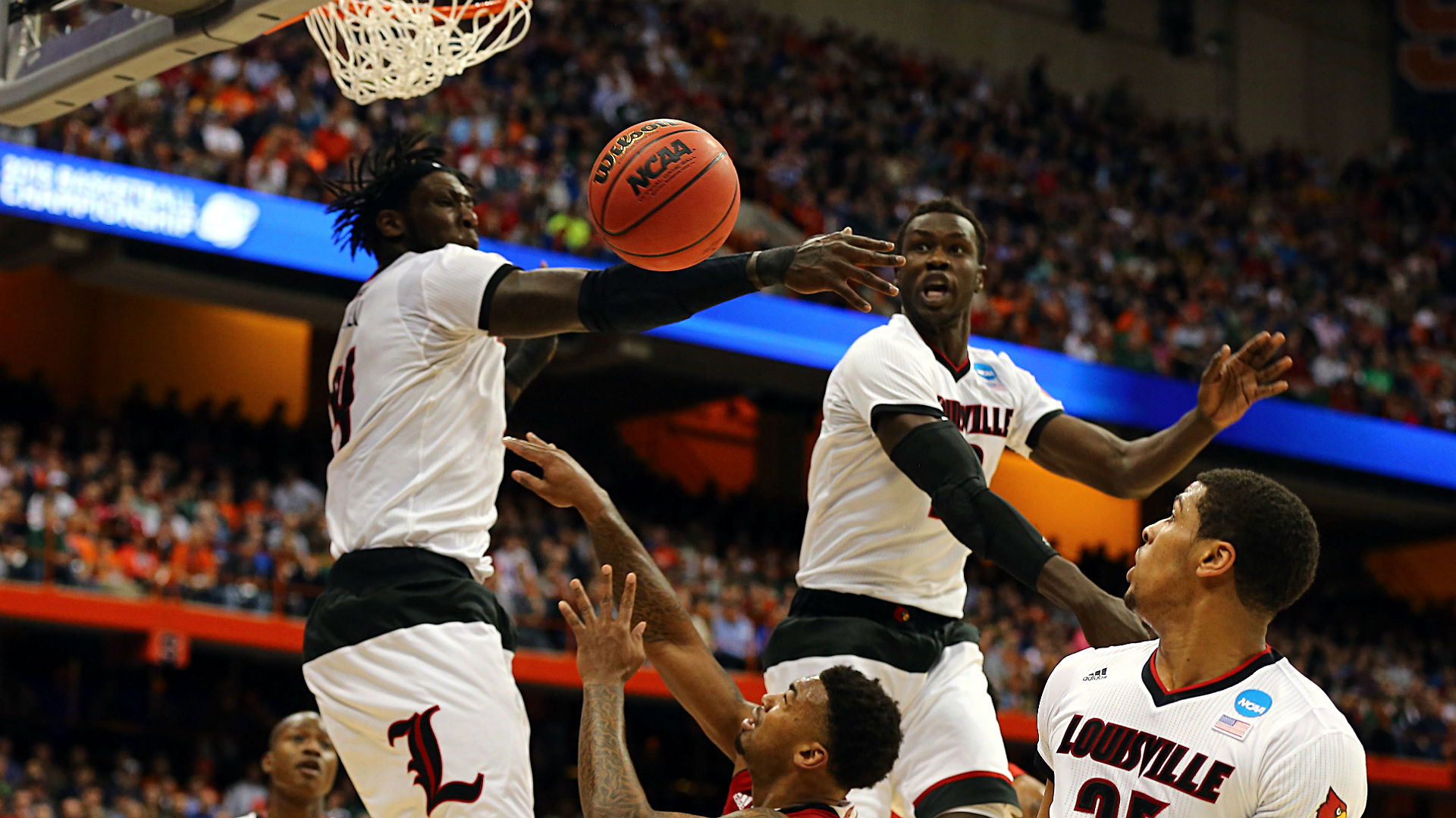 Elite Eight picks from AccuScore – Three plays on Sunday's card
