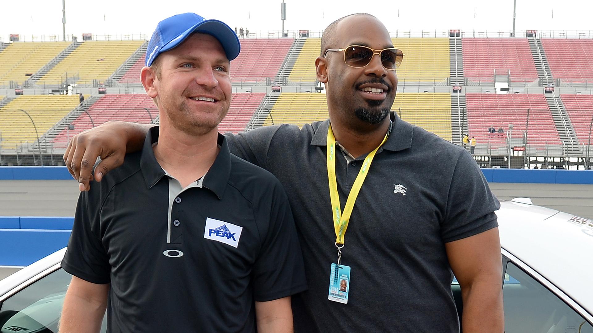 Clint Bowyer-Donovan McNabb-NASCAR-FTR.jpg