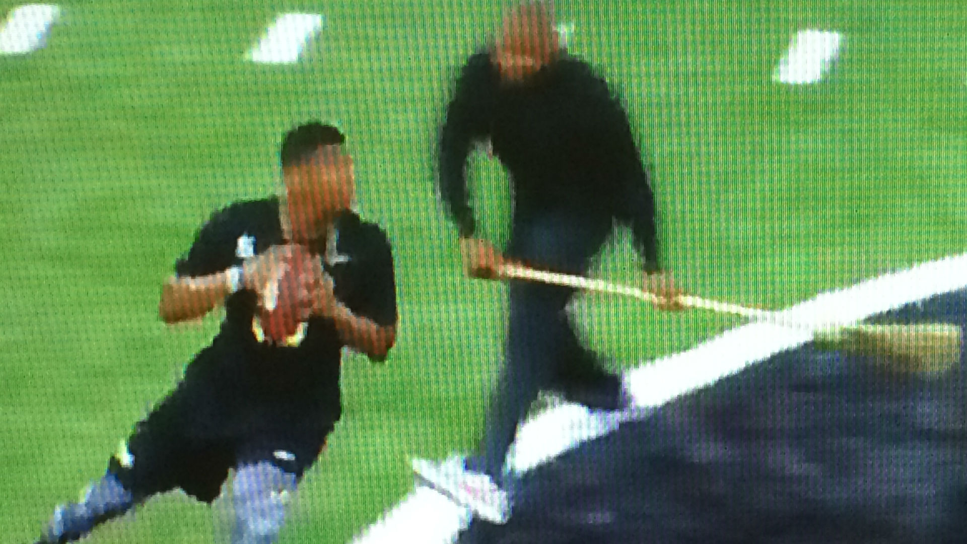 Jameis Winston's receiver crashes into TV equipment at Florida State pro day