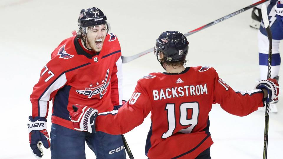 NHL playoffs 2018  Oshie helps Capitals stave off elimination 6d0a6cba72b