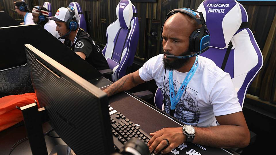 UFC 227: How video games bring out a 'different side' of Demetrious Johnson