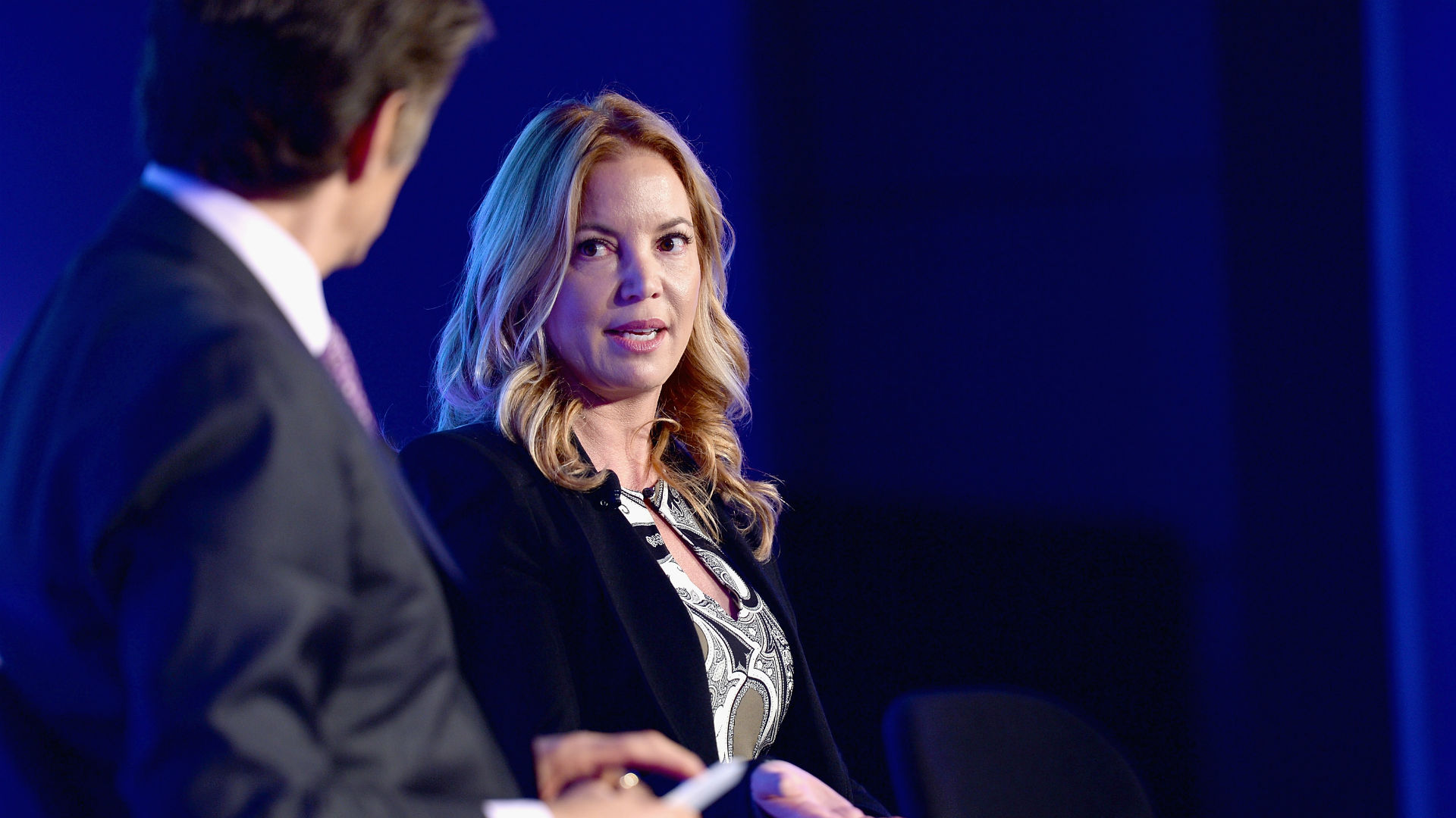 Jeanie Buss says brother Jim has clear Lakers timeline — or he's out