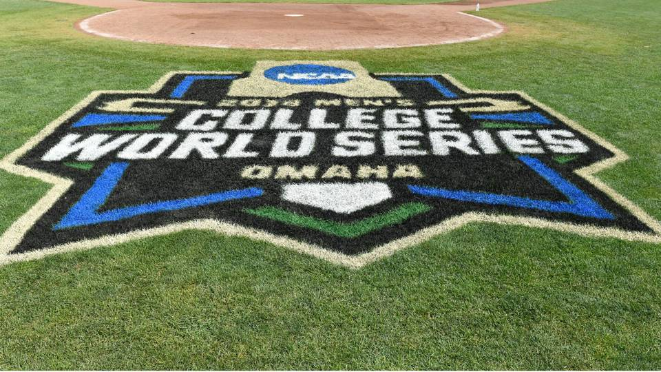 College World Series 2018 results: Oregon State steals Game 2 from Arkansas with ninth-inning heroics