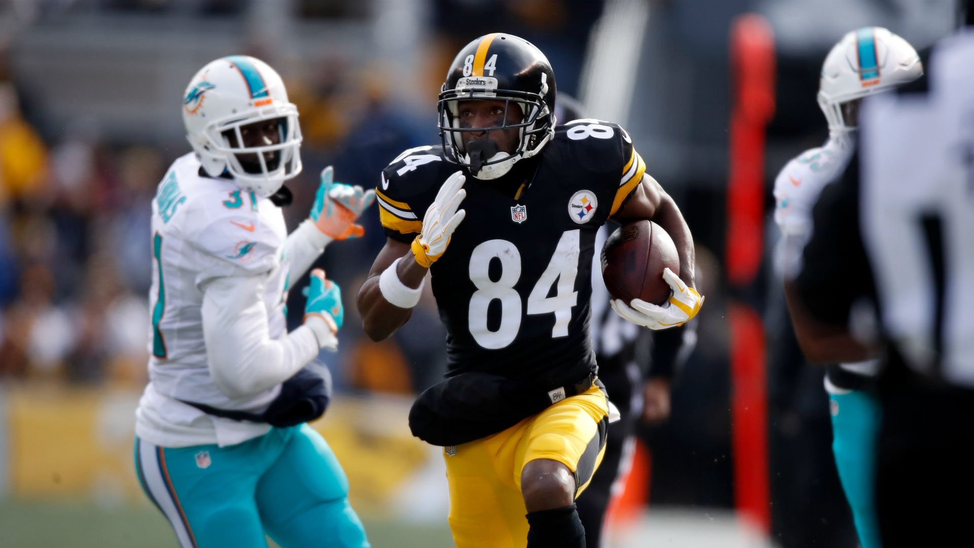 Steelers Antonio Brown torches Miami on two 50 plus yard TDs
