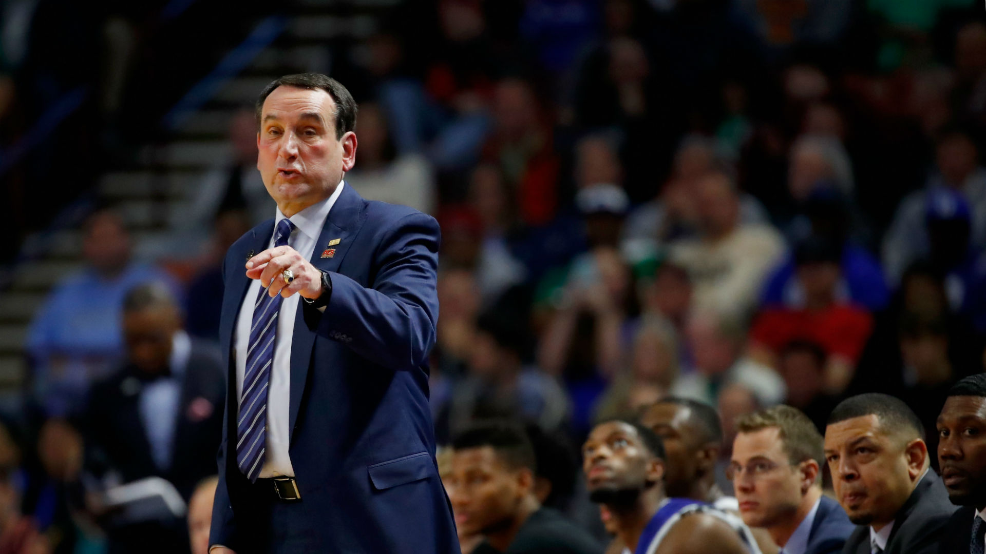 Mike Krzyzewski knee surgery leads to cancellation of Duke exhibition trip