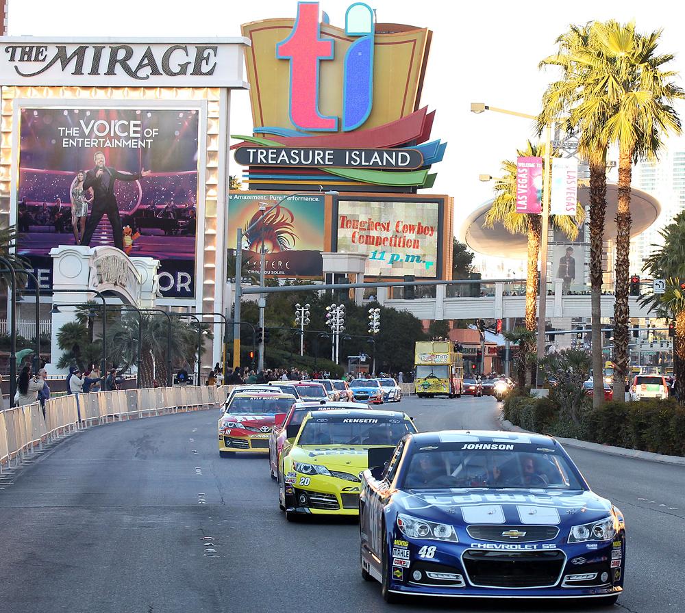 Las Vegas-NASCAR-030614-AP-DL.jpg