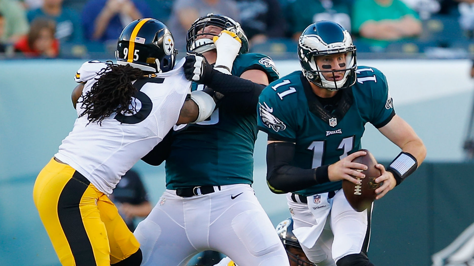 Rookie Wentz keeps Eagles rolling