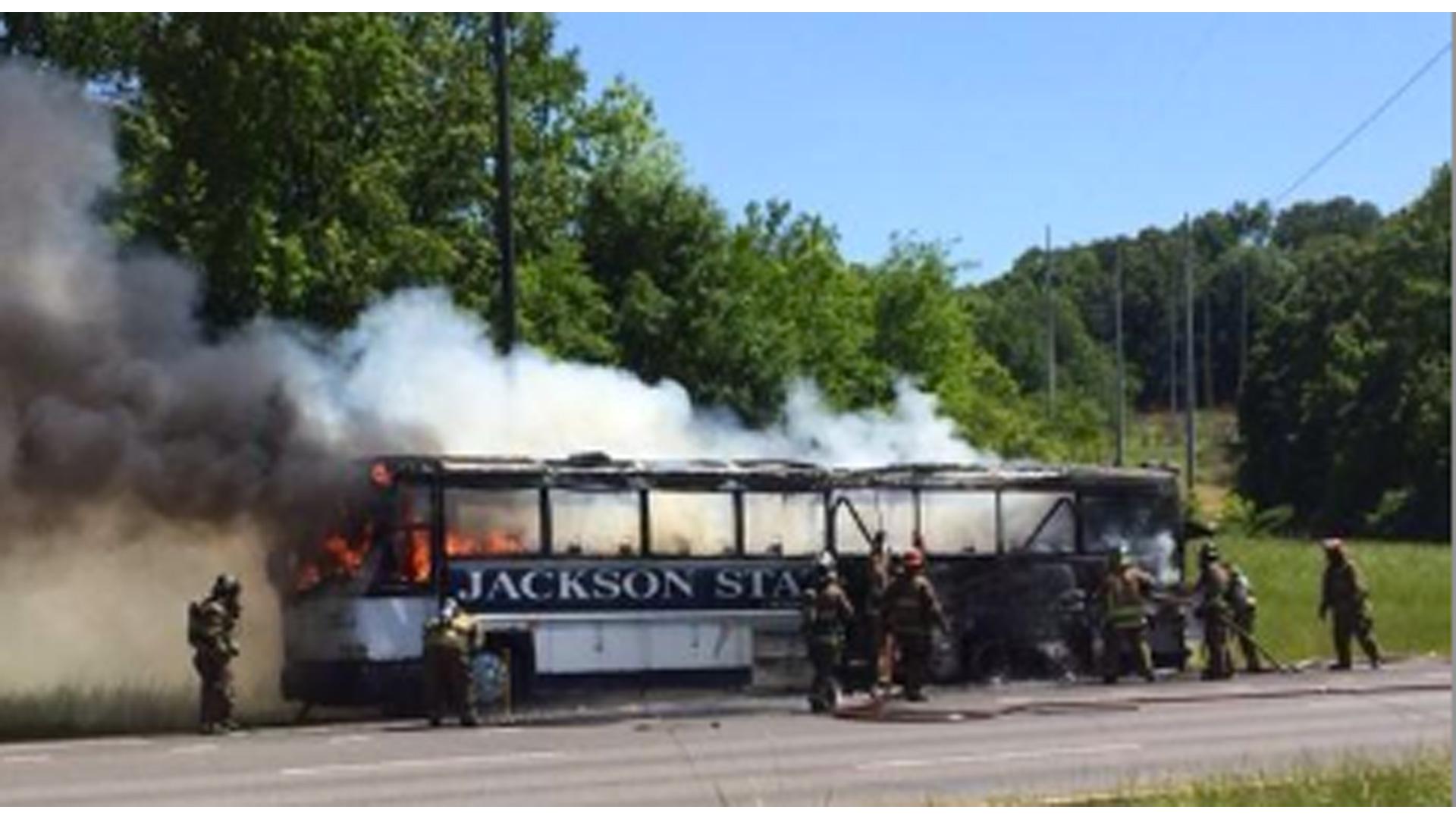 jackson-state-team-bus-050514-twitter-ftr