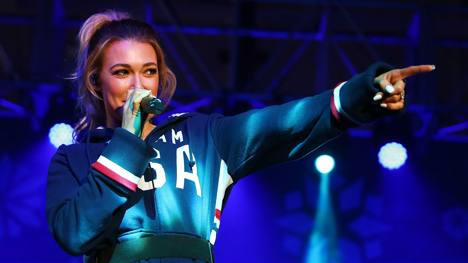 Singer Rachel Platten messes up US national anthem - twice