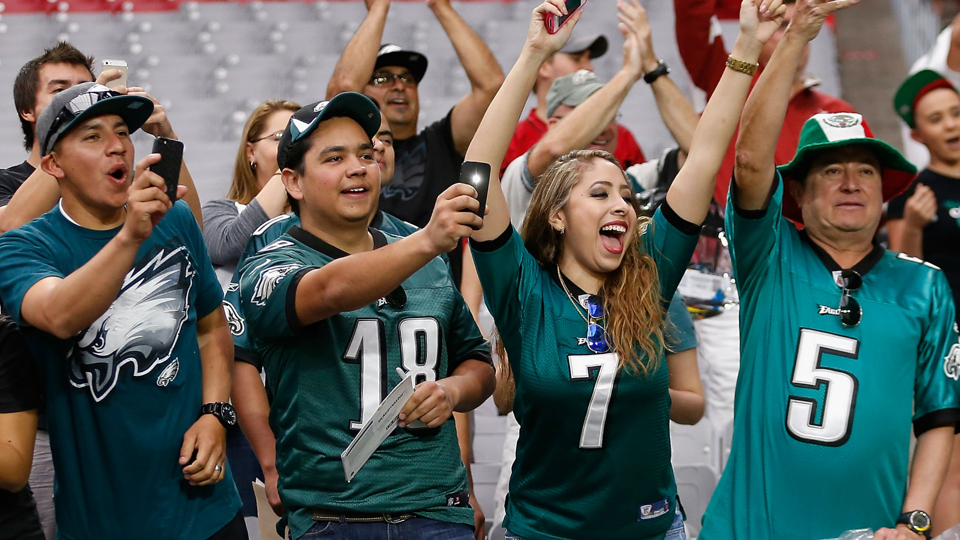Philadelphia sports store offers insurance on Eagles jerseys for traded players