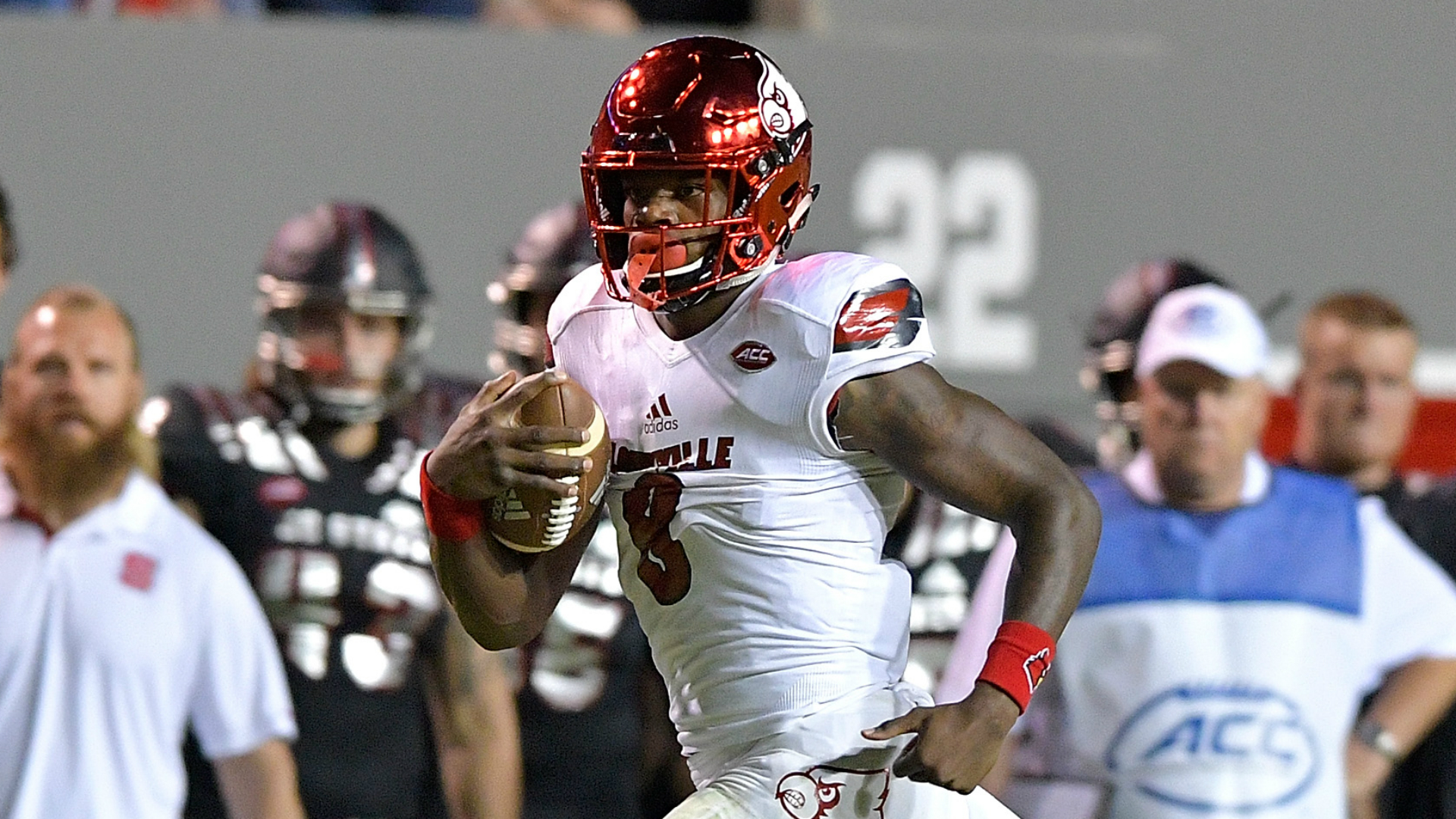 Lamar Jackson involved in brawl against rival Kentucky