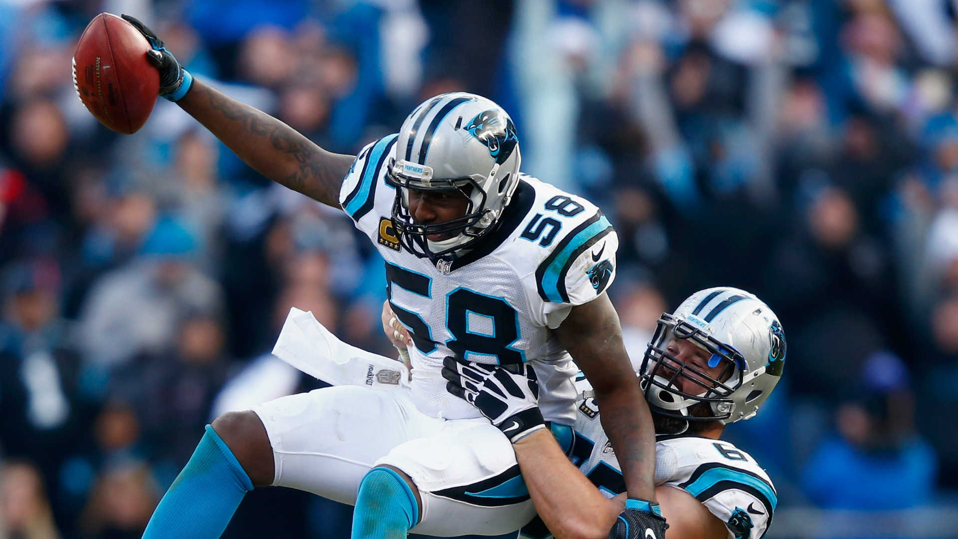 Broken arm can t break Thomas Davis the heart and soul of