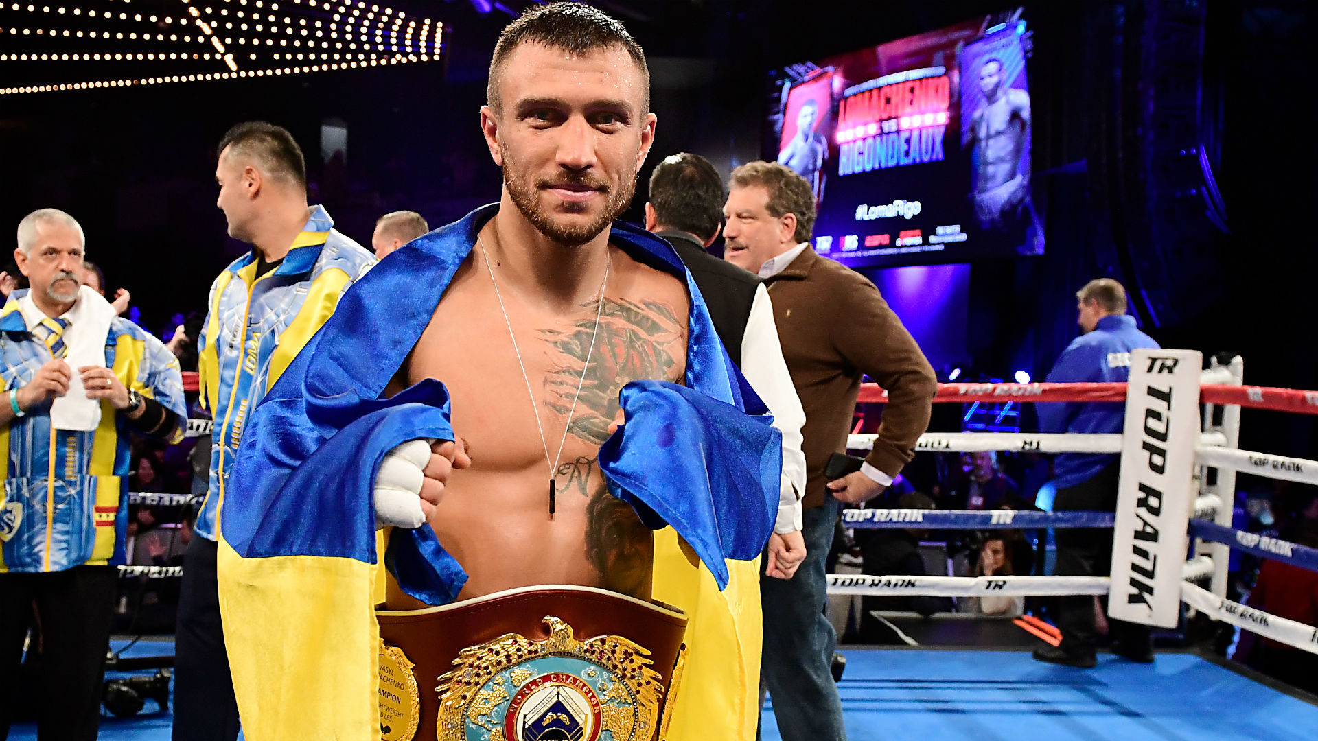 Lomachenko vs. Linares results: Vasiliy Lomachenko makes boxing history with KO victory