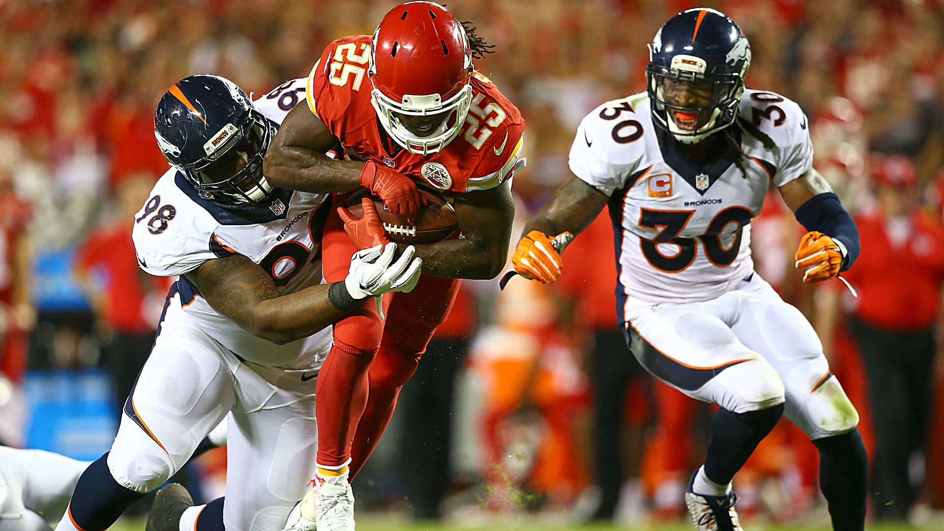 Denver Broncos: Don't get too excited about signing Jamaal Charles