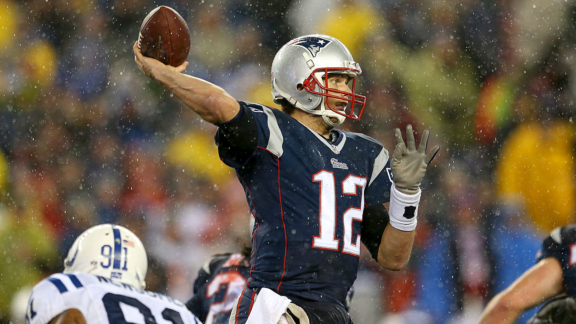 Patriots, Tom Brady suspiciously outperform expectations in wet weather