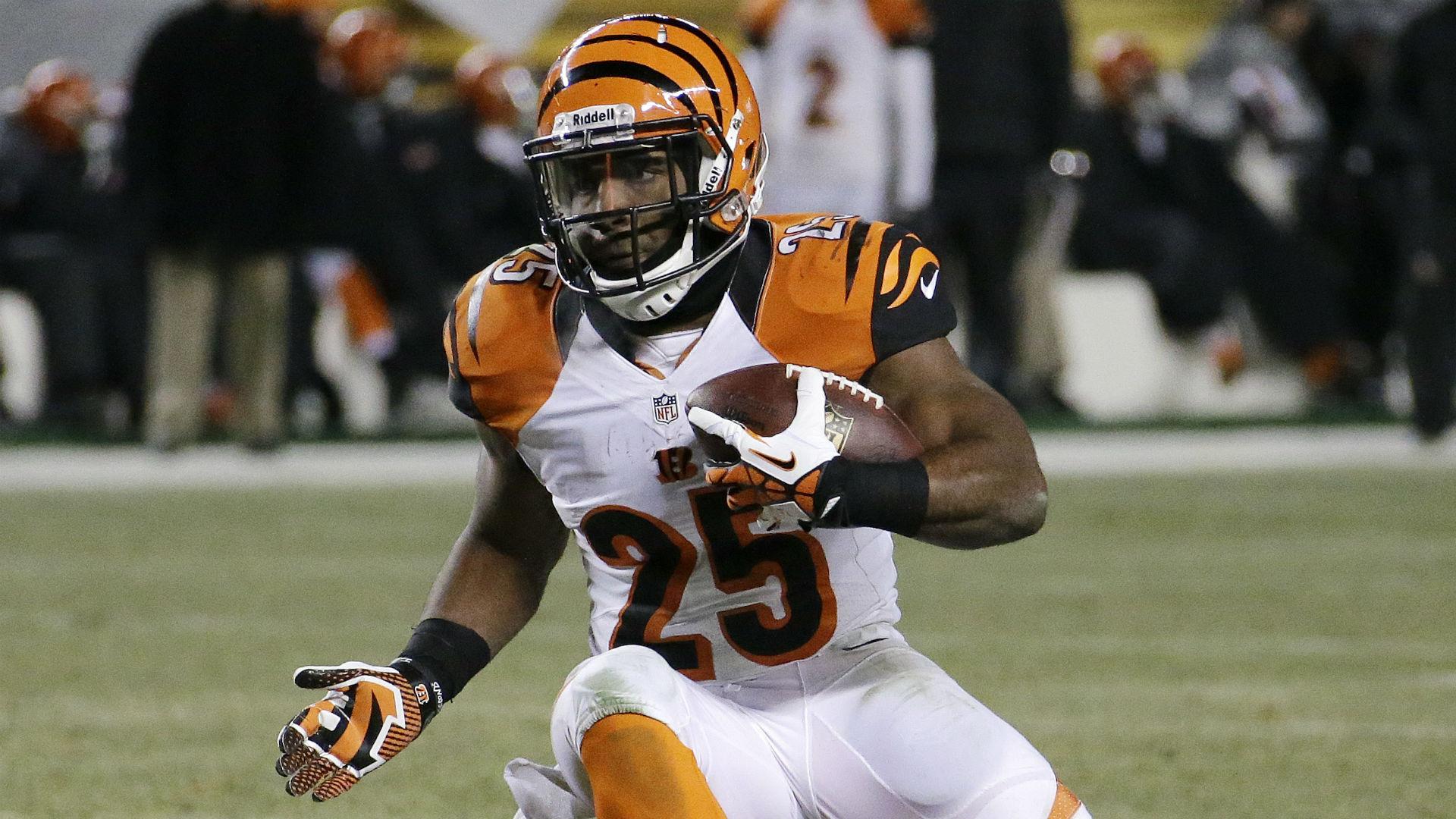 NFL Fantasy Stock Watch: Harvin, Bernard fluctuate in Week 8
