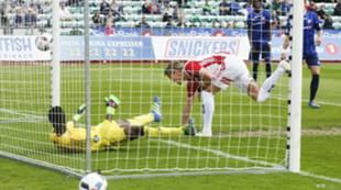 Thomas Lehne Olsen scorer mot Stabæk.