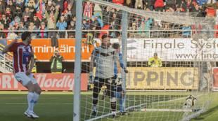 Miika Koppinen scorer hjemme mot Sandnes Ulf 2012