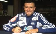 Diego Calvo signerer