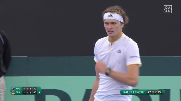 Davis Cup: 42 Schläge! Zverev fightet gegen De Minaur
