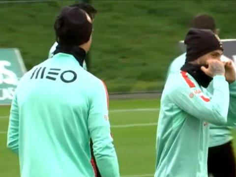 لقطة: كرة قدم: رونالدو بأبهى حلّة في تدريبات منتخب البرتغال