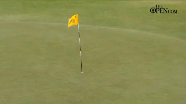 لقطة: غولف: هوفمان يسدّد ضربة خاطفة للأنفاس في البطولة للأنفاس