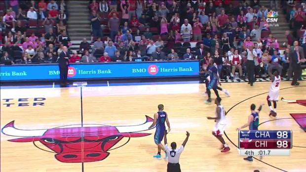 WSC: Paul Zipser with the rejection vs. the Hornets
