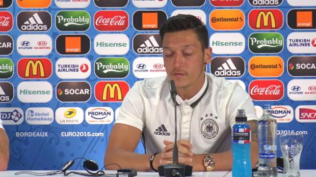 """EM 2016: Özil: """"Haben eine super Mischung"""""""