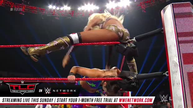 Bayley vs. Alicia Fox: Raw, Dec. 10, 2018