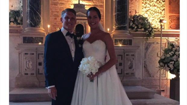 Schweinsteiger heiratet, die Sport-Welt freut's